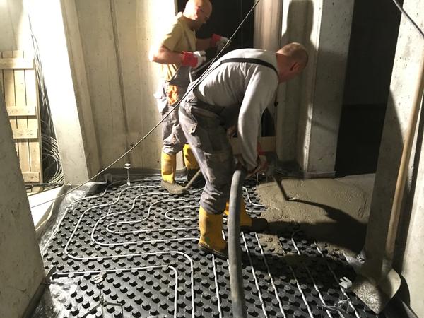 Pokládka podlahových izolací a litých podlahových betonů